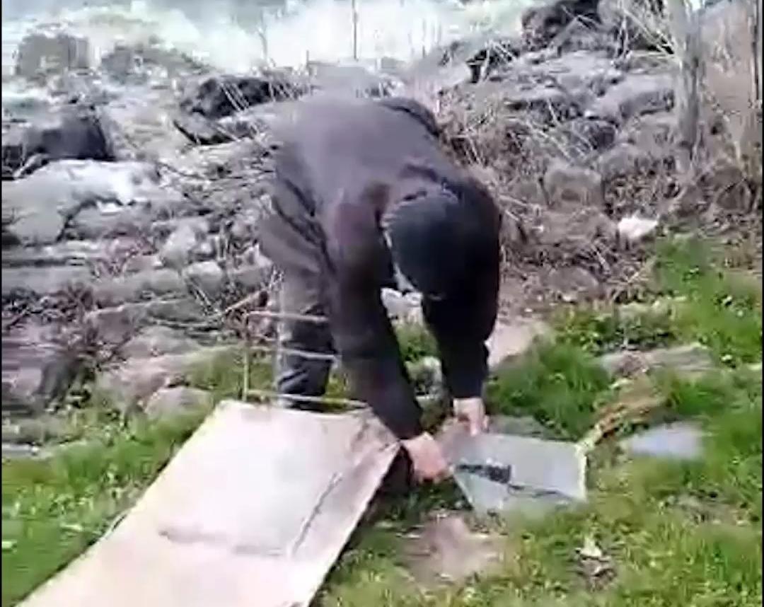 «Та ніхто не побачить»: пенсионер выбрасывал стекла в водохранилище | Прихист