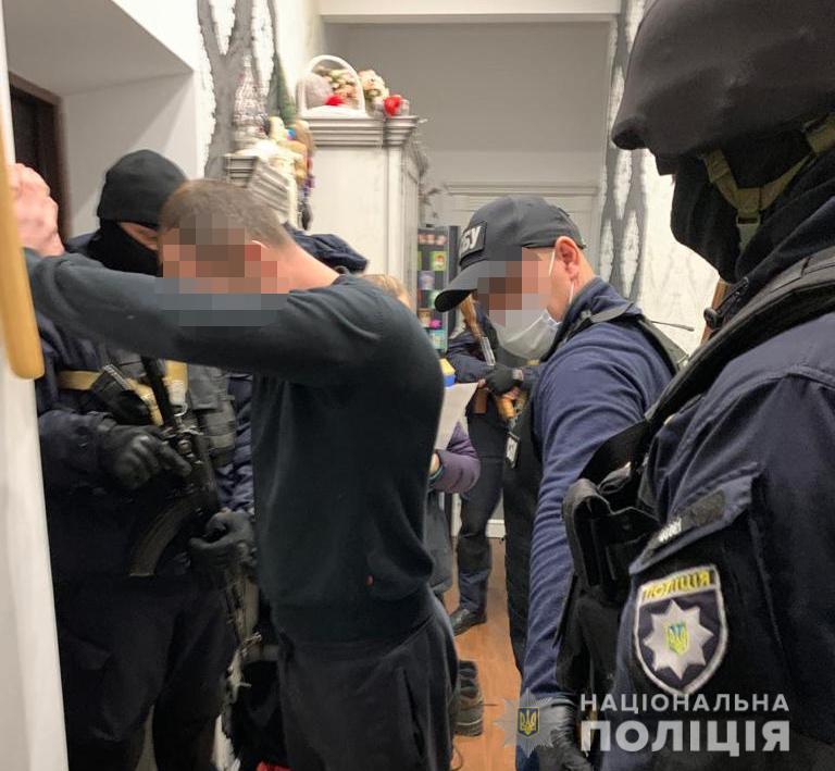 В Никополе полиция ликвидировала преступную группировку, специализирующуюся на совершении тяжких преступлений | Прихист