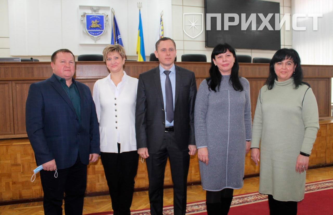 В Никополе прошла первая сессия Никопольского городского совета | Прихист