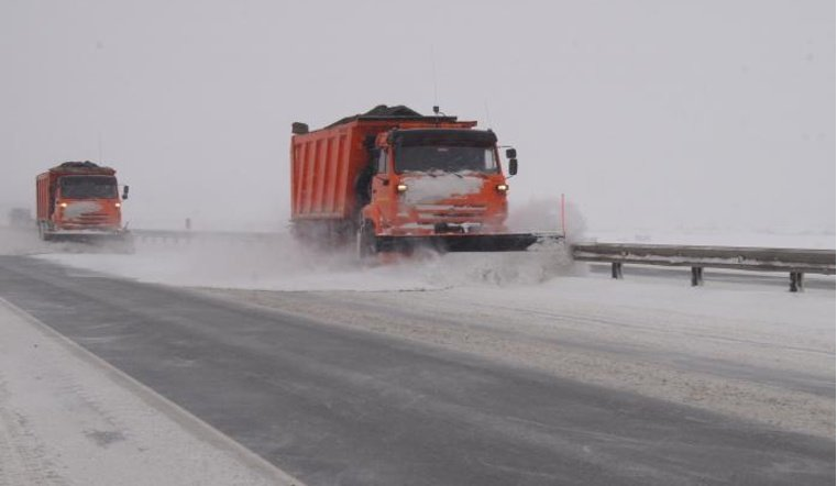 Дороги Дніпропетровської області розчищають 143 снігоприбиральні машини   Прихист
