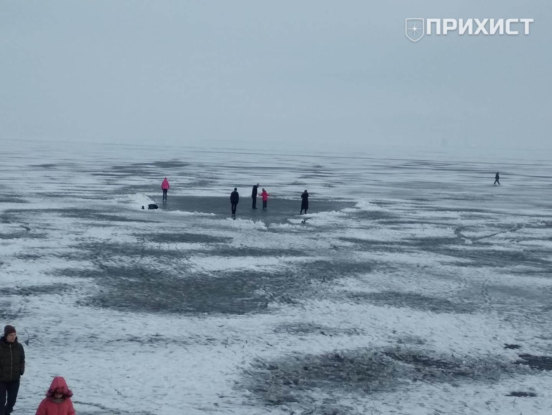 Нікопольців попереджають про тонку кригу на Каховському водосховищі | Прихист