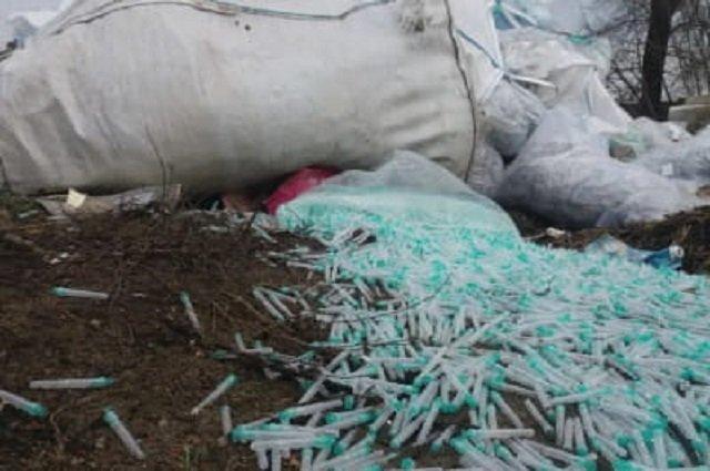 В Днепропетровской области подростки нашли мешки с десятками тысяч шприцев | Прихист