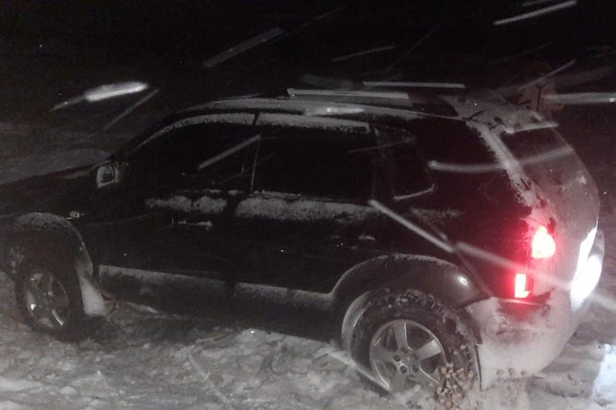 В Покрове спасатели помогли водители машины выбраться из снеговой ловушки | Прихист