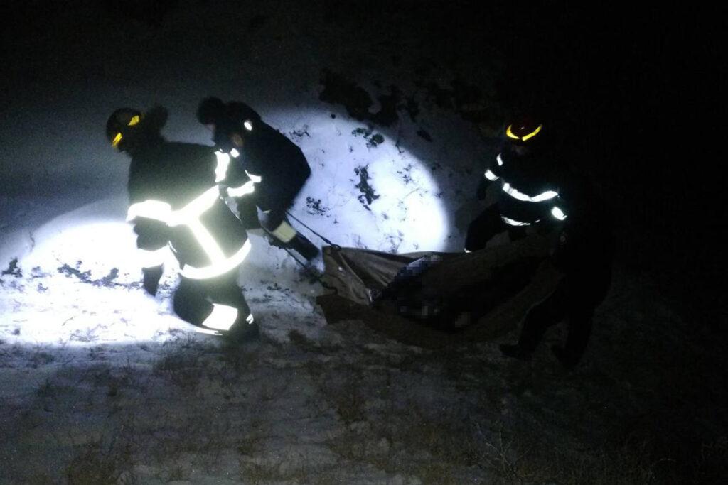 В Днепропетровской области двое людей провалились под лед и утонули | Прихист