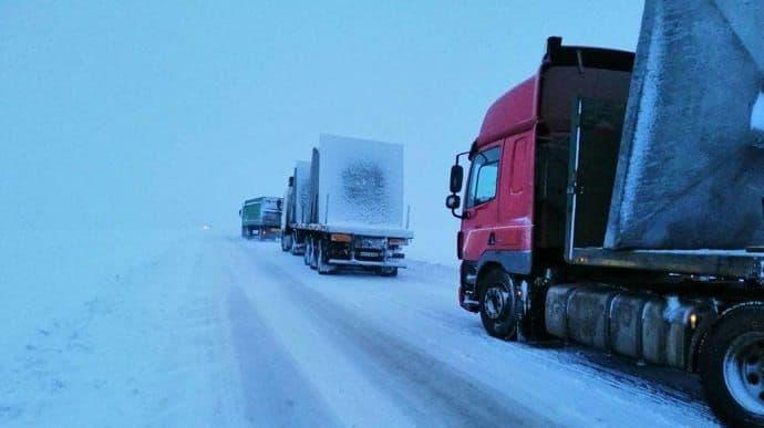 В Днепропетровской области временно ограничат движение для грузового транспорта   Прихист