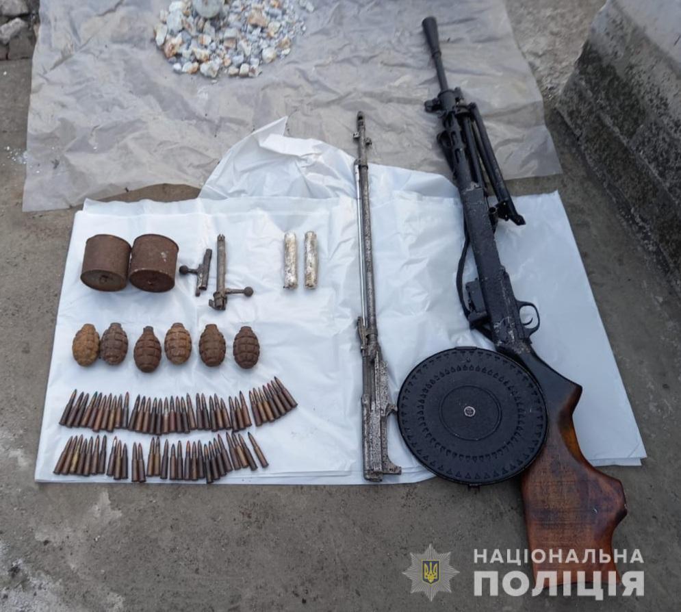 У жителя Вольногорской ОТГ изъяли гранаты и пулемет Дегтярева | Прихист
