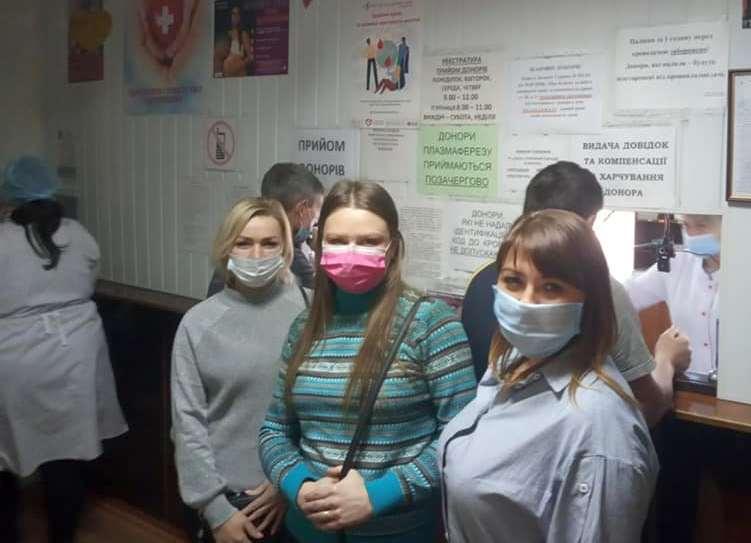 40 человек из Марганца сдали кровь для девочки с ожогами, которую спасают в Днепре   Прихист