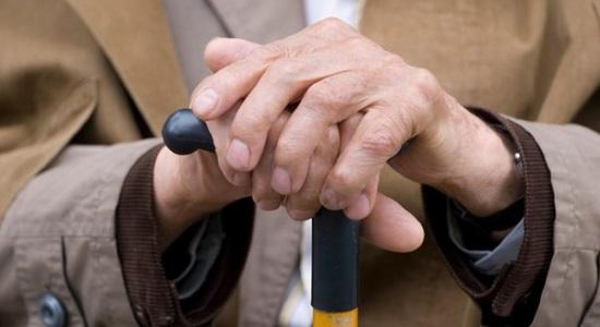 В Никополе мошенники на рынке забрали деньги у пенсионера и пытались ограбить его квартиру | Прихист
