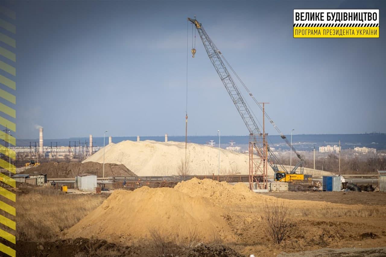 На объездной дороге Днепра строят двухуровневую развязку | Прихист