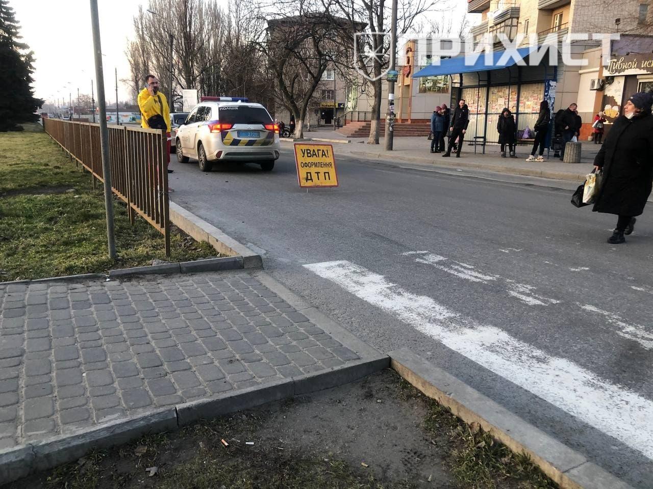 """На """"8-ом квартале"""" автомобиль сбил ребенка на пешеходном переходе   Прихист"""
