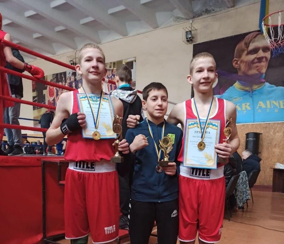 Троє боксерів із Нікополя стали чемпіонами Всеукраїнських змагань | Прихист