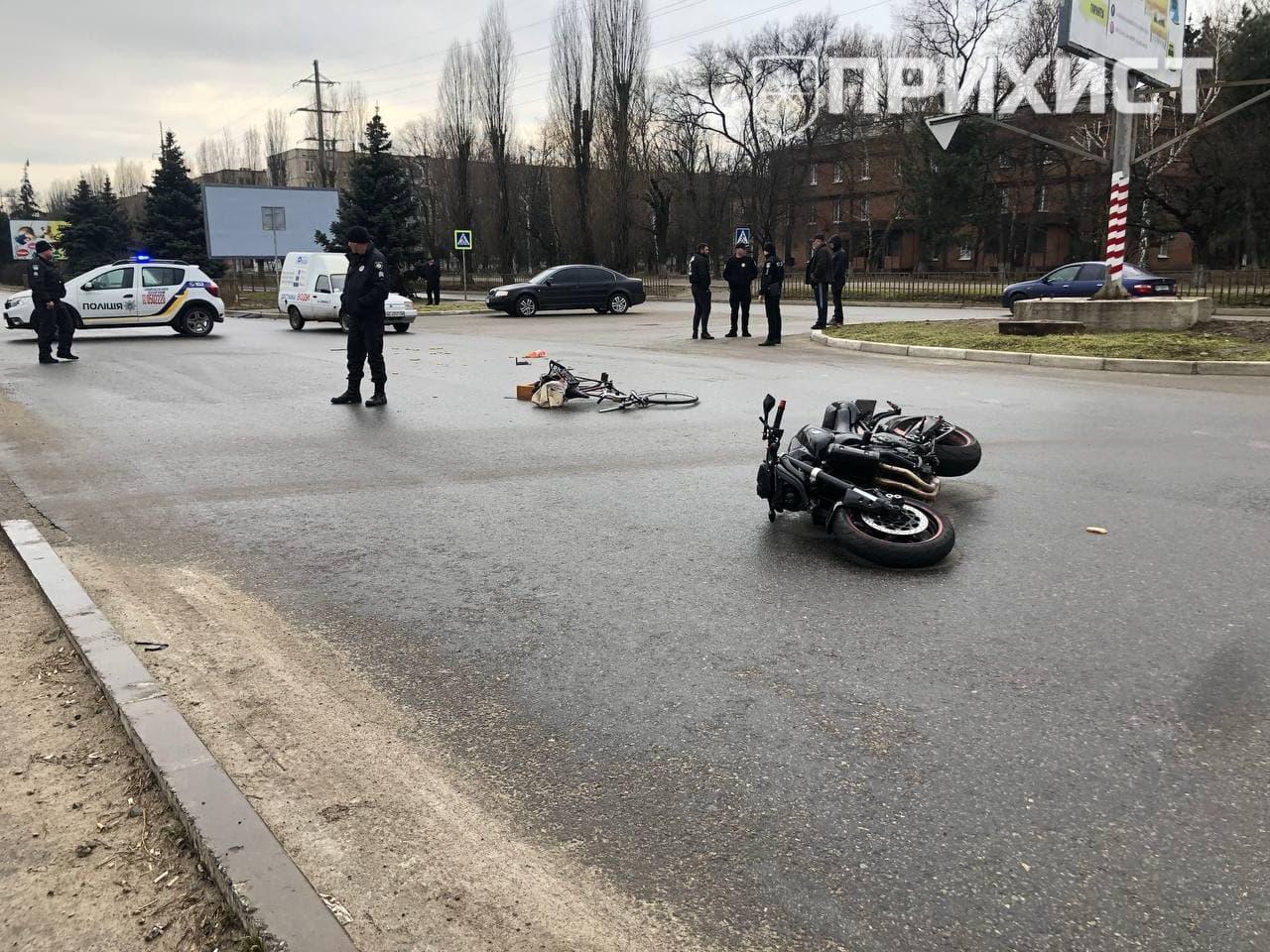 В Никополе мотоцикл сбил велосипедиста | Прихист