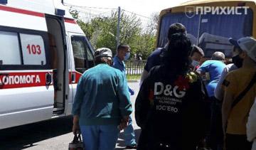 ОБНОВЛЕНО. Водитель автобуса, совершивший наезд на женщину, скрылся с места ДТП. Видео с камеры наблюдения   Прихист