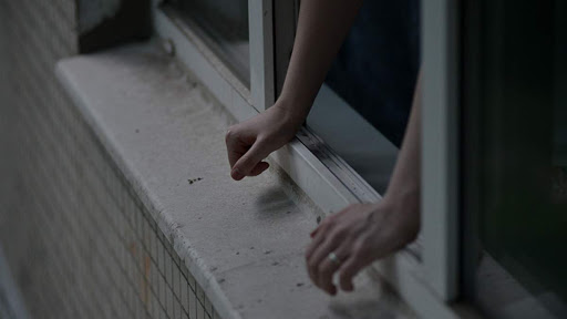 В Никополе военнослужащий выпрыгнул из окна 3-го этажа (обновлено) | Прихист