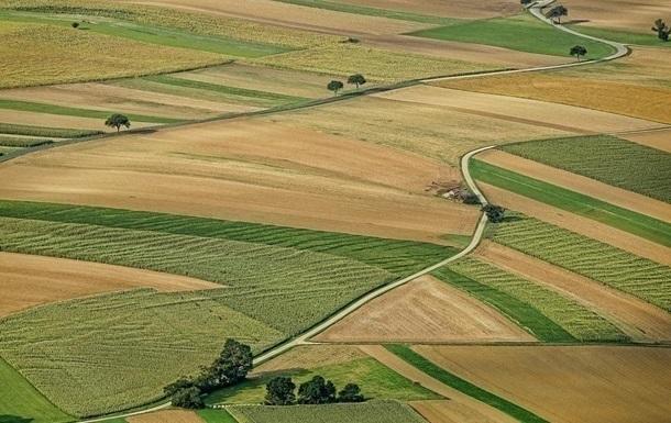 В Украине заключили первую тысячу земельных сделок   Прихист