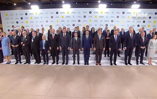 """В Украине стартовал саммит """"Крымская платформа""""   Прихист"""