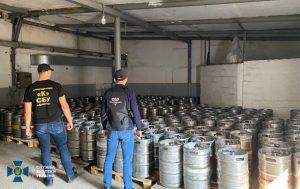 В Днепропетровской области СБУ разоблачила нелегальный спиртзавод