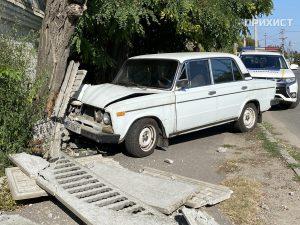 ДТП: Ваз — 2106 снёс забор | Прихист