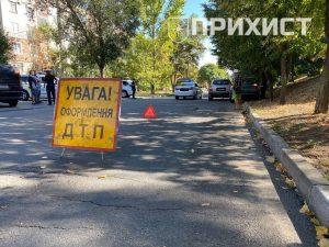В Никополе на ул. Шевченко столкнулись Hyundai и Daewoo