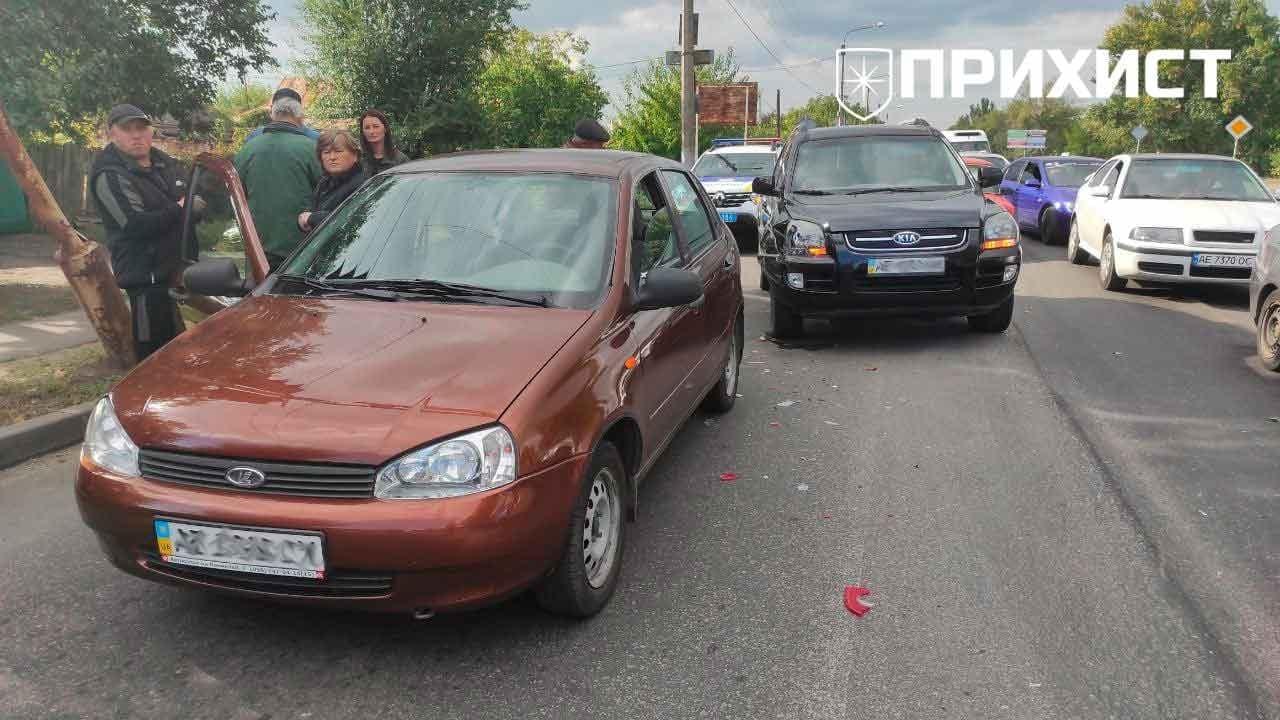 На пересечении ул. Героев Чернобыля и ул. Херсонской столкнулись Kia и Lada   Прихист